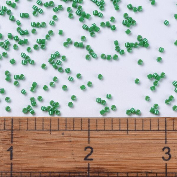 606792f66bad42939fb74f857a29f830 MIYUKI DB0655 Delica Beads 11/0 - Dyed Opaque Kelly Green, 10g/bag
