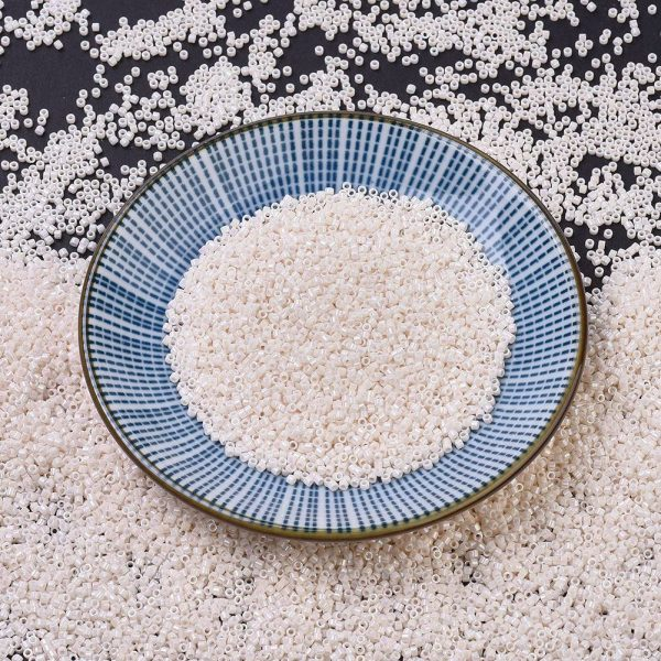 X SEED J020 DB1500 MIYUKI Delica Beads 11/0, (DB1500) Opaque Bisque White AB, 1.3x1.6mm, Hole: 0.8mm; about 2000pcs/10g
