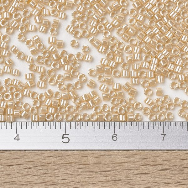 X SEED J020 DB1561 2 Wholesale MIYUKI Delica Beads 11/0, (DB1561) Opaque Pear Luster, 1.3x1.6mm, Hole: 0.8mm; about 20000pcs/bag, 100g/bag