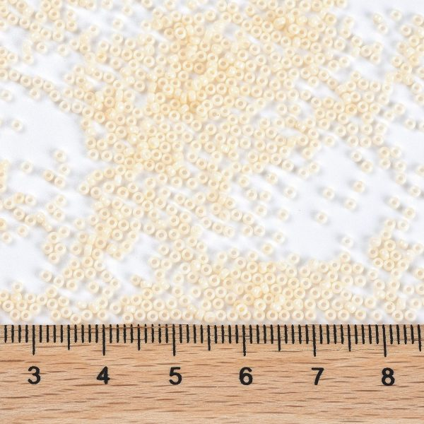 SEED JP0010 RR3324 2 RR3324 Opaque OldLace MIYUKI Round Rocailles Beads 15/0 (15-3324), 1.5mm, Hole: 0.7mm; about 5555pcs/tube, 10g/tube